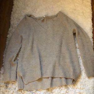 V neck h&m sweater